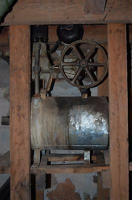 Antique Working Water Pump - pick up only
