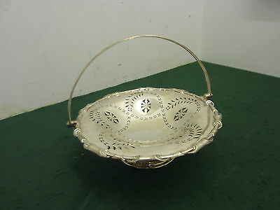 Quality 25 cm Barker Bros Pierced Silver Plated Fruit Bowl with Handle