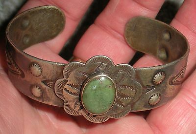 1920–30S OLD PAWN NAVAJO TURQUOISE COIN SILVER BRACELET REPOUSSE & FLORAL vafo