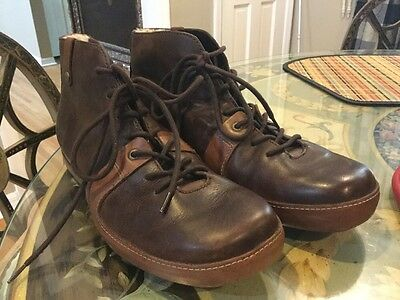 UGG Australia  Matteson Men's Brown Leather Ankle Boots Size 11  Model #5554