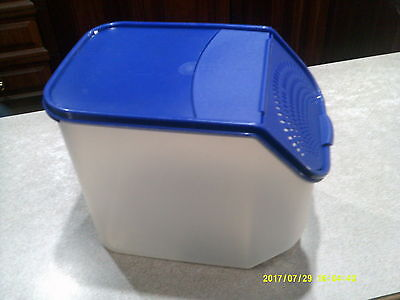 Tupperware Large Veg Out