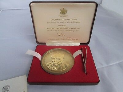 Sir Winston Churchill gold & silver medal in case by Toye, Kenning & Spencer