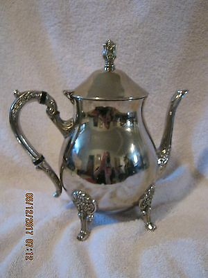 Vtg Silver Plated Tea/Coffee Pot w/decorative Handle