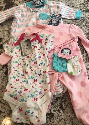 NWT BABY GIRL 8 PIECE  CLOTHING LOT SIZE 0-3m