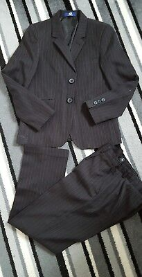 Boys Suit Age 9 Yrs Worn Once For Photoshoot