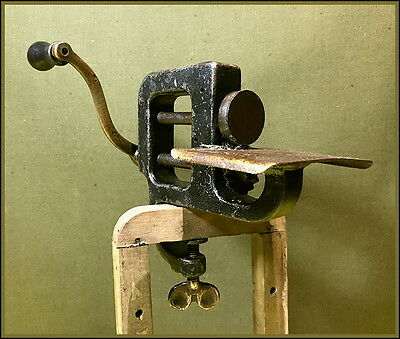 Antique American ~Skeletal Integral Clamp Hand Crank Pinking Machine ~ Sewing