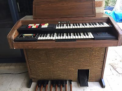 Hammond Electric Organ
