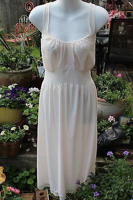 Vintage Van Raalte Pale Pink Nightgown Nylon and Lace Size 40 Very Gently Used
