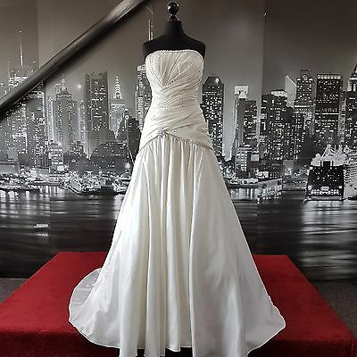 Magnificent Lace up sequinned Wedding Gown with Train (Ivory-Size 10)