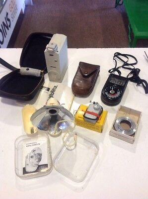 Lot of vintage camera gear  flash + meter + auto release (5 items)