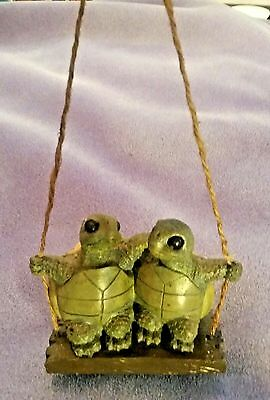 Yard Works Originals #SF-9338 Mr. & Mrs. Turtle Couple Rope Swing Collectible