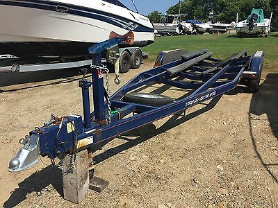 TRAIL-RITE TRI AXLE BOAT TRAILER - 8315# carrying capacity