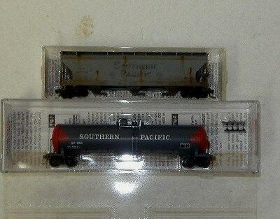 2 x MicroTrains N Scale Southern Pacific Freight Cars