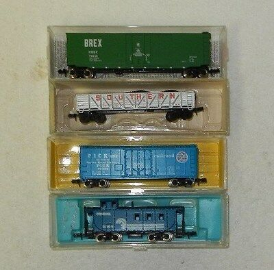 4 x Various Makers N Scale Random Roadnames Freight Cars #1