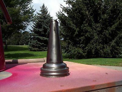 oil bottle metal spout in good condition