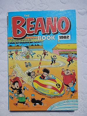 THE BEANO BOOK ANNUAL 1982 Dennis Menace