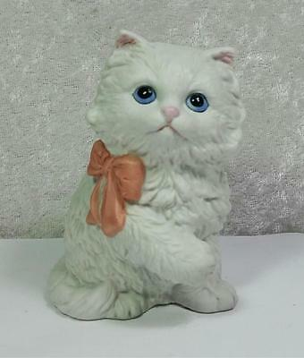 HOMCO Vintage Porcelain Cat Kitten Figurine White Fluffy Blue Eyes Pink Bow