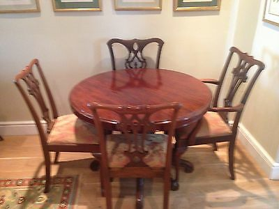 Antique Mahogany Dining Table and five Chairs (one Carver)