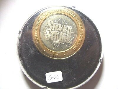 """IGT 2002 G2E """"Hockey Puck"""" Case Silver Strike Limited Edition Token (S2)"""