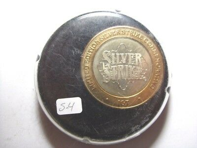"""IGT 2002 G2E """"Hockey Puck"""" Case Silver Strike Limited Edition Token (S4)"""