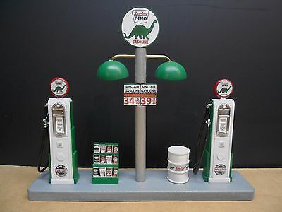 """ Sinclair "" Gas Pump Island W/ Gas Price Sign, 1:18Th Scale, Hand Crafted, New"