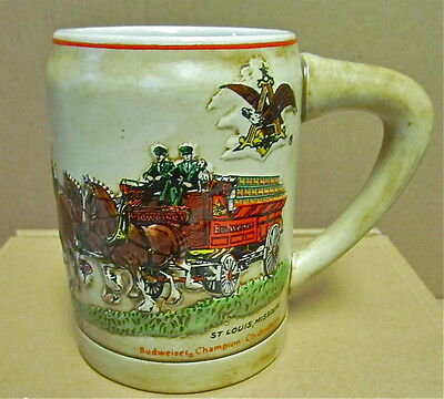 1980 BUDWEISER CS19 HOLIDAY STEIN MUG w/ GREEN CASES  and RED & BLACK LETTERING