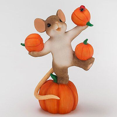 Charming Tails 2015 Enesco Figurine Hooray !! It's Pumpkin Time ! Halloween NIB