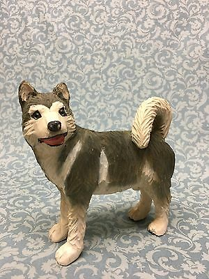 Hand Carved wood dog figurine HUSKY hand painted NICE