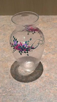 Handpainted glass Vase. Floral theme; 1 liter