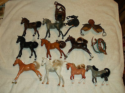 9 Grand Champion Plastic Model Horse Lot With 4 Saddles