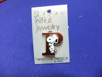 vtg badge snoopy letter initial P brooch red enamel on card 1970s peanuts schulz