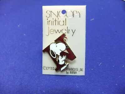 vtg badge snoopy letter initial N brooch red enamel on card 1970s peanuts schulz