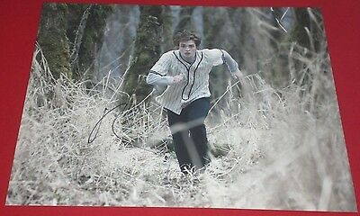 Robert Pattinson Signed Twilight Edward Cullen Action Still 11X14 Photo Auto Coa