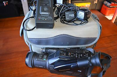 Panasonic G202 VHSC Camcorder X8/Wide with accessories and bag
