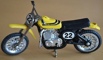 YAMAHA 22 MX400 Dirt Bike Ridge Riders ZEE Toys 1:24 Motorcycle Yellow Zylmex