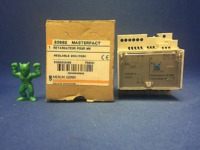 Merlin Gerin 33682 Adjustable Time Delay Relay for Voltage Release Type MN