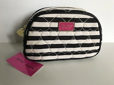 Nwt Betsey Johnson Cosmetic Makeup Bag Large Loaf Black White Heart Quilted