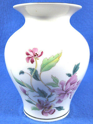 Lenox Beautiful Barrington Collection Vase Pink Flowers