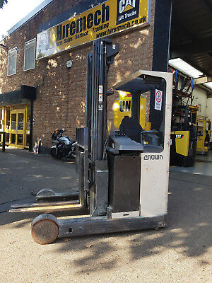 Crown Reach Truck 1600Kg Capaity 6m Lift Height Side Shift