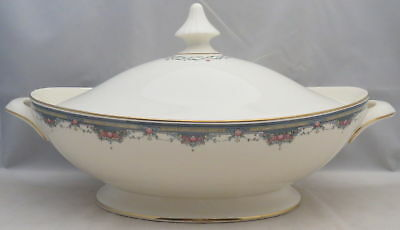 Royal Doulton Albany Oval Covered Vegetable (Imperfect)