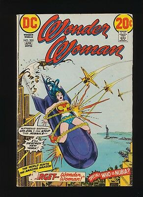 Wonder Woman #205 DC Comics 1973! Origin Nubia! Bondage Cover! SEE PICS AND SCAN