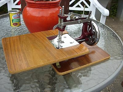 Vintage Essex Miniature Sewing Machine & Case