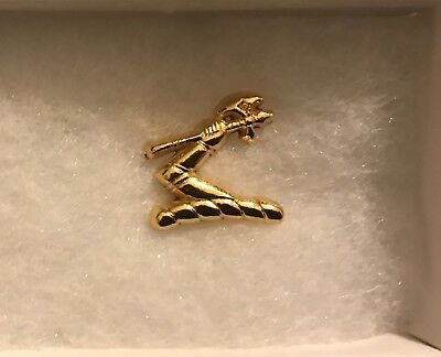 Hennessy Pin