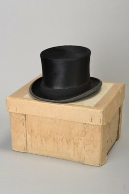 Foxhunting Officer's Lock & Co s7/8 1970s' Boxed Black Felt Hunting Top Hat. ATZ