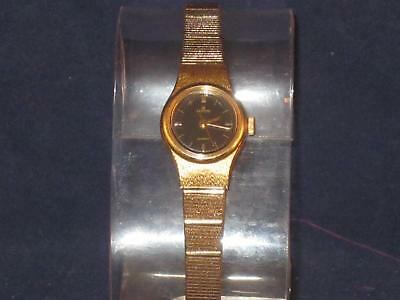 Vtg Ladies Lorus Gold-Tone Watch/Dark Blue Face Gold-Tone Band & Clasp P072