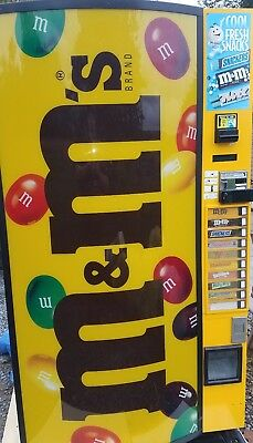 Vendo 786 Refrigerated Candy Bars Vending Machine