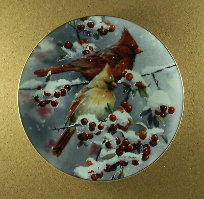 WINTER JEWELS - CARDINALS Plate Susan Bourdet 1997 9 1/4-inches Wild Wings