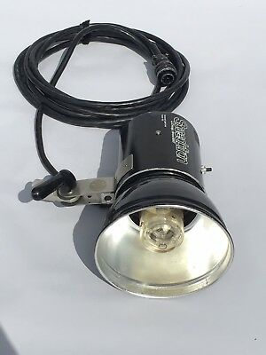 "Speedotron 102 Black Line - 2400 Watt/Second Lamphead with 7"" Reflector and UV C"