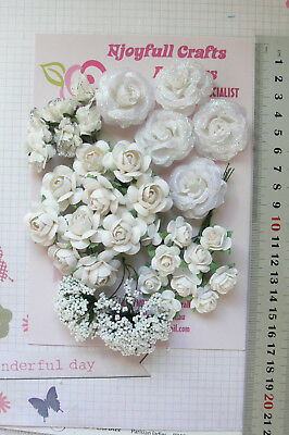 WHITE Roses & Babies Breath - 34 Flowers - PAPER & SILK 18-30mm VE4
