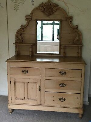 Solid Pine Vintage Dresser, could also be used as Dressing Table.